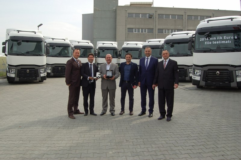 1459331581_Renault_Trucks_Netlog_Lojistik_Gurubu_Teslimat_Gorseli__2__800x532
